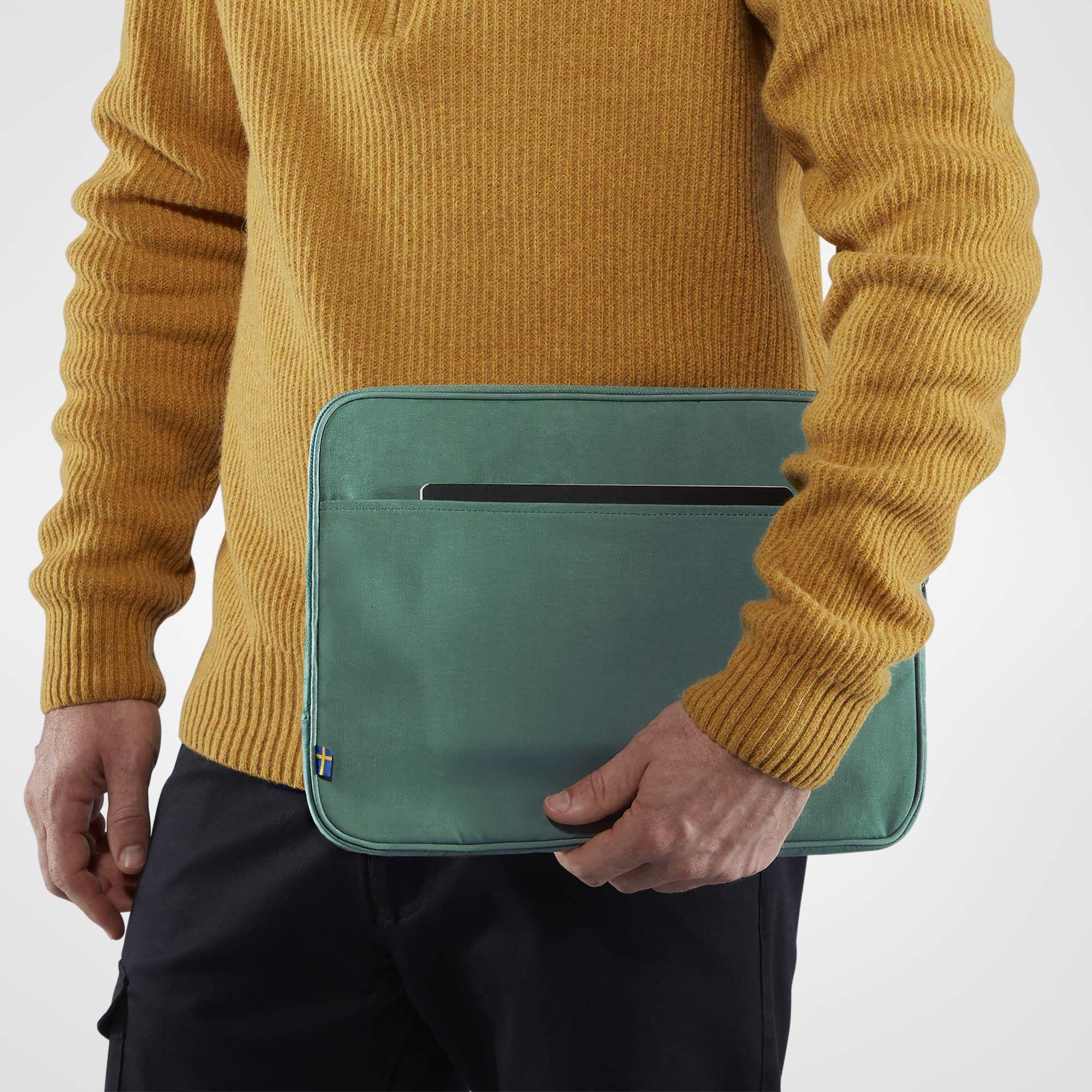 2f169747ac ... Obal na notebook Fjällräven Kanken Laptop Case 13 - Frost Green ...